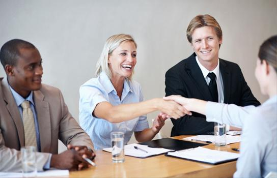 Employees Interviewing - Travel and Customer Service Jobs in Minneapolis MN