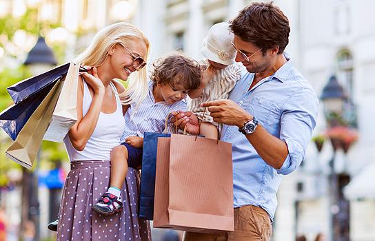 Safe Travel Shopping with a Prepaid, Reloadable Visa Debit Card